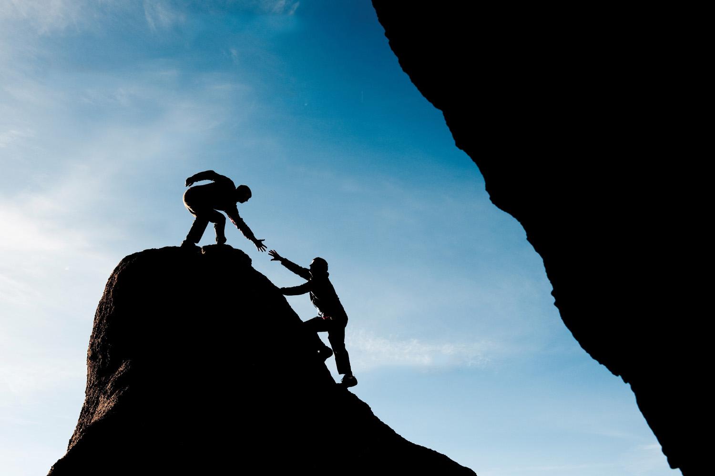 help-to-climb-mountain